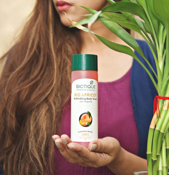 biotique bio apricot body wash