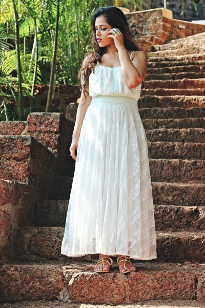 how to style white dresses