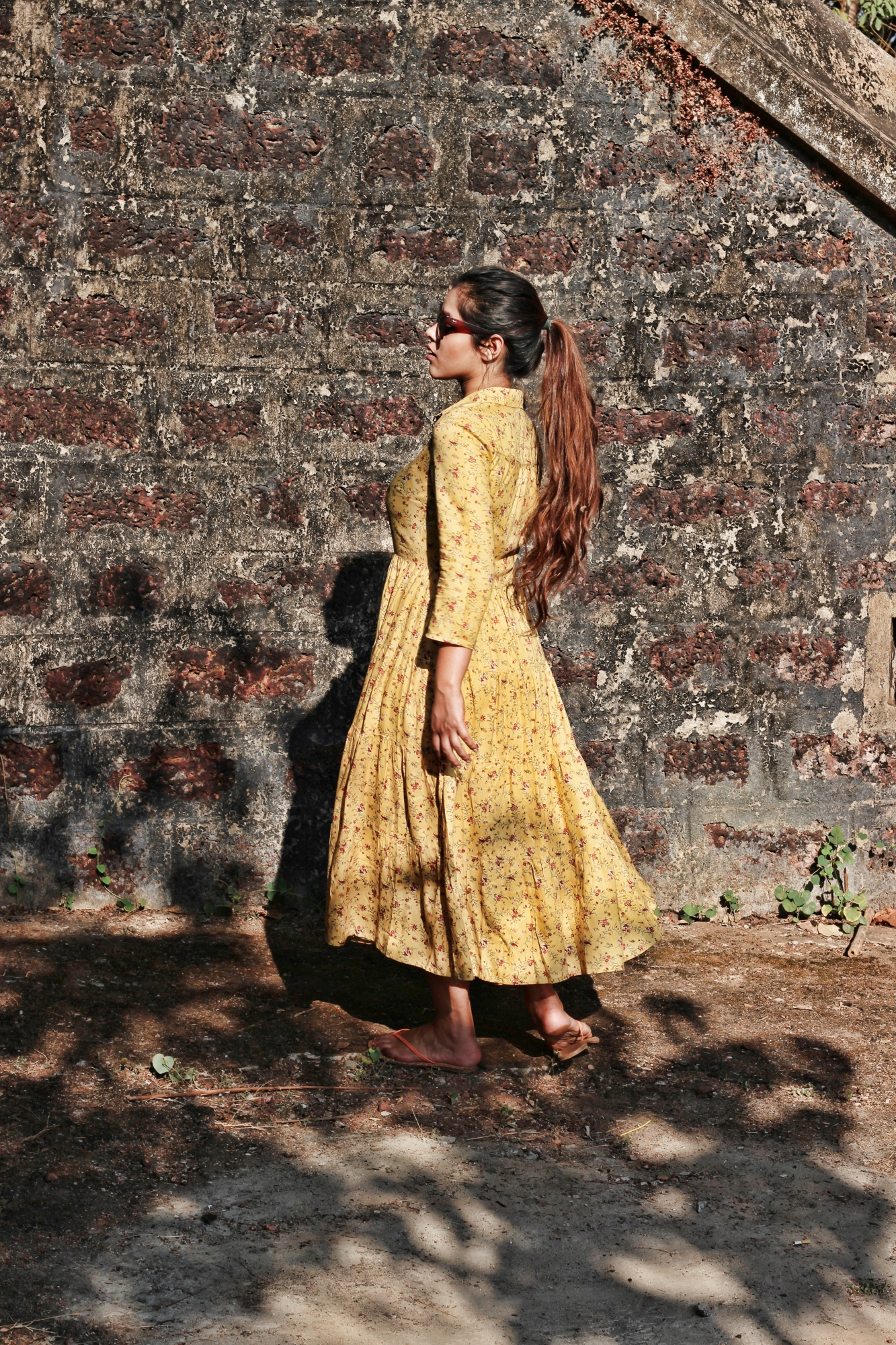 how to style yellow dress